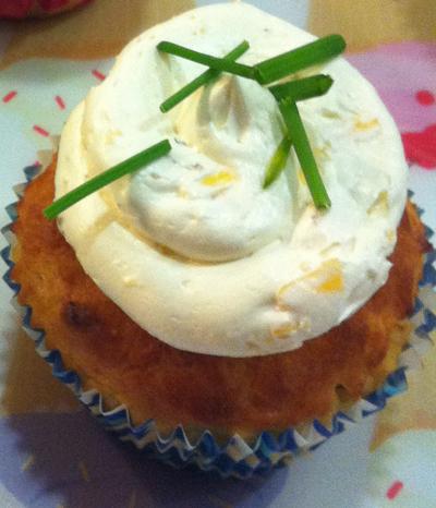 Cupcake_con_crema_de queso_de_pera_y_queso_gorgonzola_PintandoUnaMama