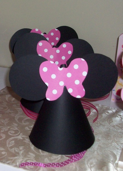 How to Make Minnie Mouse Party Hats