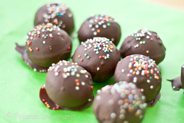 cake-balls-dos-colores_PintandoUnaMama