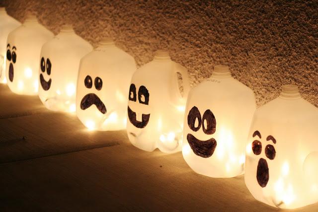 fantasmas-luminosos-botellas-agua_PintandoUnaMama