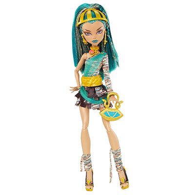 MonsterHigh_PintandoUnaMama