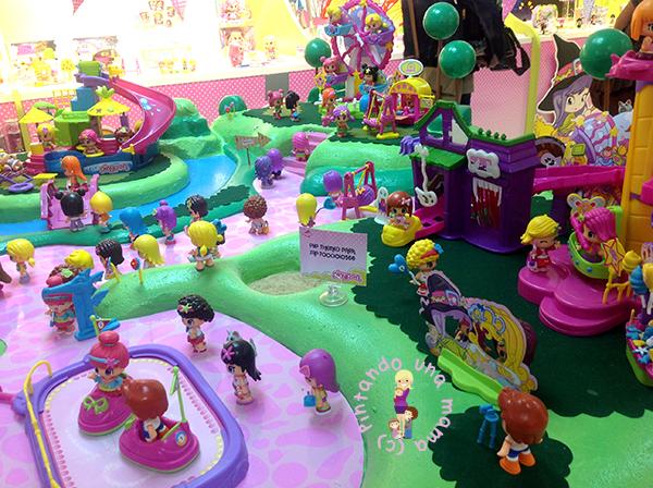 Pin_y_Pon_Parque_de_Atracciones_Famosa_PintandoUnaMama
