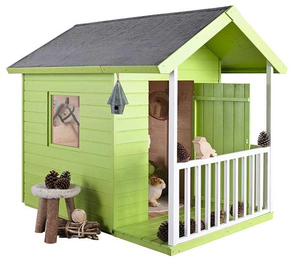 Casas de madera para ni os pintando una mam pintando - Casetas de madera infantiles ...