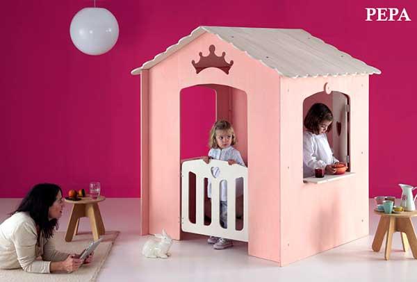 Casitas de madera de interior para ni os pintando una - Casas de madera por dentro ...