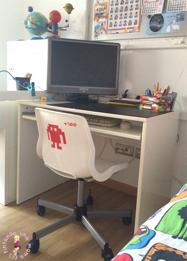 Habitaci n completa para dos ni os de ikea pintando una for Ikea mesas escritorio