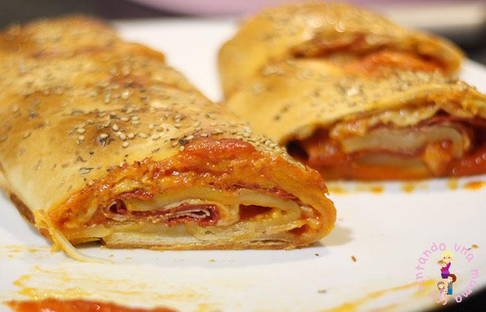 Pizza Stromboli de Jamón Chorizo y Queso
