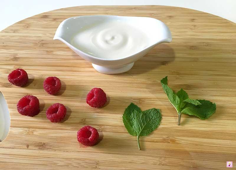 Polos_de_Fresas_Naturales_y_yogur