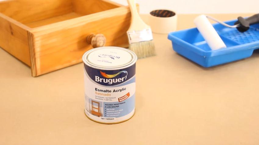 C mo envejecer un mueble de madera con efecto chalk paint - Barniz para chalk paint ...